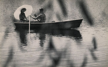 Boating on Kutsher's Lake (Courtesy Mark Kutsher)