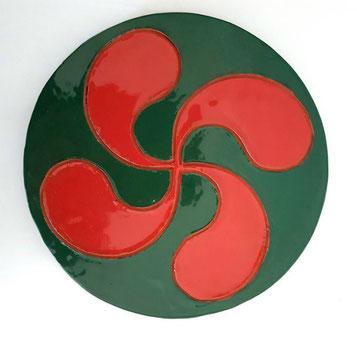 Médaillon Croix Basque émaillé vert et rouge