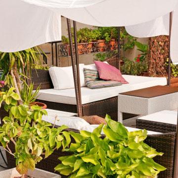 Garten, Terrasse mit Sofa und Gestaltung