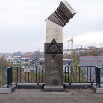 Deportation Monument on Putlitzbrücke (1987) by Volkmar Haase Putlitzbrücke Berlin Germany