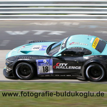 BMW Z4 GT3 Team Vita4one