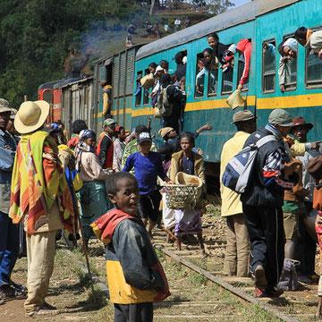 Zugfahrt von Finarantsoa nach Manakara