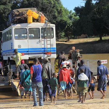 Fähre auf dem Tsiribihina