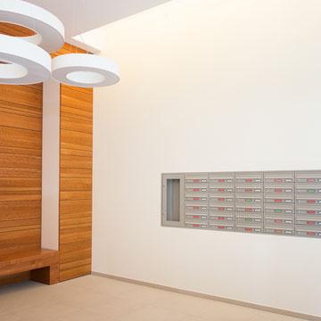 Unterputz- und Aufputz-Briefkastenanlagen, sowie Schaukästen, verzinktes Stahlblech, pulverlackiert
