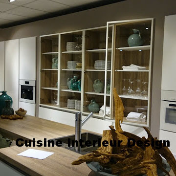 cuisine design en bois clair et façades en laque mate collection 2015