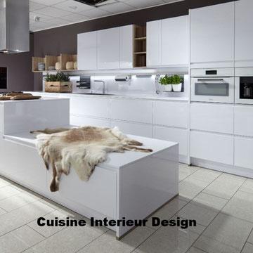 cuisine design en laque avec ilot décalé schroder Toulouse