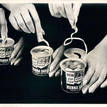 refG224 -  20x24,5cm-  «aluminium company» - photomontage - presse: tampons photographe: William E. CORNELIA -  1964 - 4/5