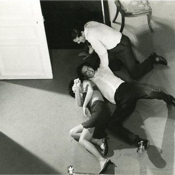 ref G18- 19,5x28,5cm - photographie de plateau de Pierre ZUCCA film de C. Chabrol (le scandale) 1966 - 5/5