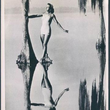 "refG214 - 18x22,5cm  - ""Reflected beauty Katy turner"" - Presse: tampons et légendes tapuscrite au dos - 1948 - 4/5"
