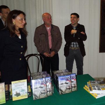 Il Presidente dell'Associazione Storica MEMORES di Ala (TN) Massimiliano Baroni con un socio il Sig. Paolo e associati dell'ACSV