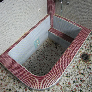 既存のお風呂 ヒビだらけ。。