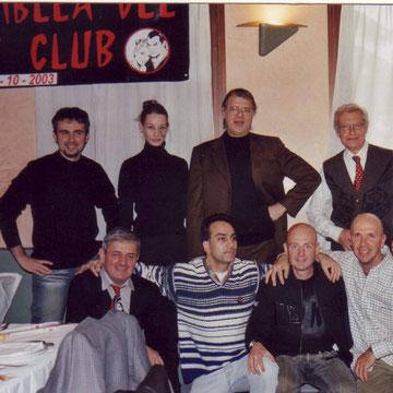 Paolo Ongaro al centro tra Ilaria Paci e Franco Paludetti, al pranzo del Diabolik club del 19 ootobre 2003