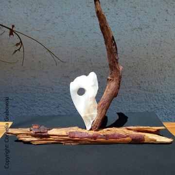 Skulptur von © Cornelia Grabowski: Objekt ohne Titel, Holz und Alabaster