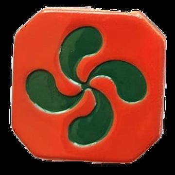Magnet Croix Basque émaillé  - croix émaillé vert et extérieur rouge