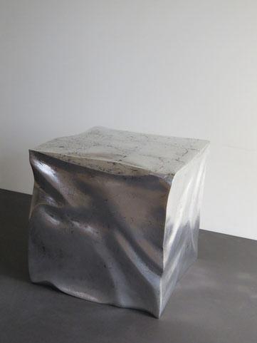 Silberwürfel Beistelltisch