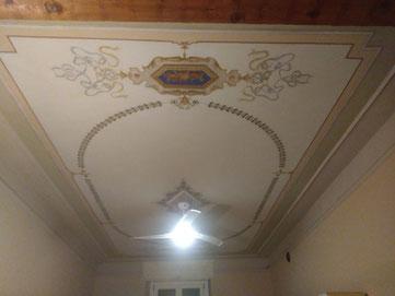 Restauro decori a soffitto