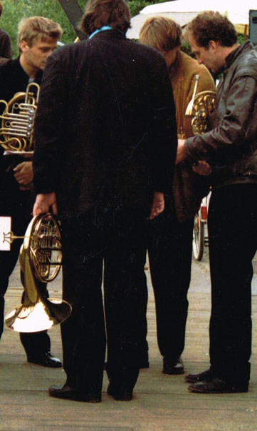 Photo: zu Uli SCHAUERTE AnSpielung - Das Briefing der Hornisten