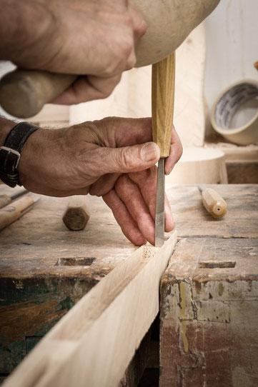 Bild: Planketon, Design Stehlmape, Sehleuchte Holz, LED, Design, Energiesparend, Holz, keine IKEA Lampe, kreativ, originell,
