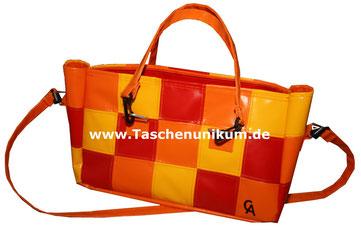 Handtasche aus LKW Plane