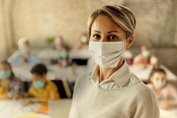 Viroblock® Mundschutzmaske für die Schule von Feld Textil GmbH - https://www.krawatten-tuecher-schals-werbetextilien.de/