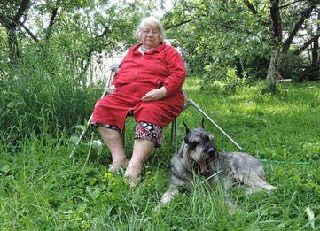 Harley with my mother, 14/06/2015, Russia