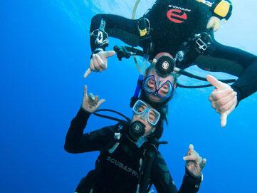 Open Water Padi à Bali, plongeurs heureux