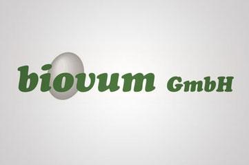 Huhn und Hahn Partner biovum Familie Egger