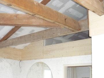 Plaques de plâtre en plafond après isolation par Menuiseries Lethu 79, 86 et 16