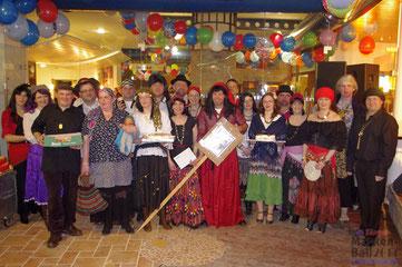 """Die """"Zigeuner"""" der Theatergruppe"""