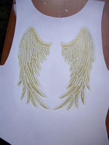 Plastron de spectacle - dos avec ailes dorées
