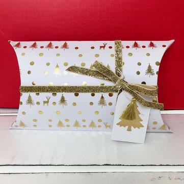 Geschenkverpackung Weihnachten weiss gold