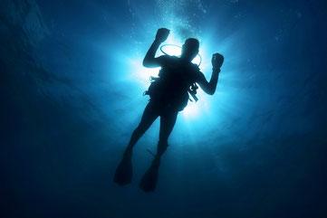 plongeur en mer pour montrer l'obscurité SEO des pages profondes par e-cime.fr