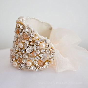 brazalete bordado, brazalete de novia, brazalete, pulsera de novia, pulsera bordada, brazalete perlas, brazalete cristales, brazalete strass, brazalete fiesta, pulsera noche, brazalete dorado.