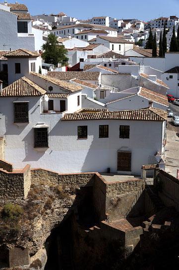 Photographie, Espagne, Andalousie, villages blancs, serrania de Ronda, Ronda, ville haute, architecture, blanc, bleu, matière, couleurs, voyages, vacances, Mathieu Guillochon.