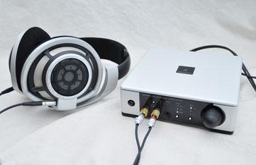 Primeとゼンハイザー「HD 800」の組み合わせで「デュアル・ドライブ」の音質をチェックした。比較のため出力端子部以外は純正ケーブルをそのまま使っている。