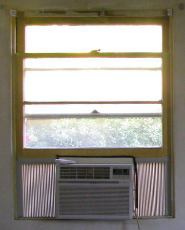 air conditioner in window