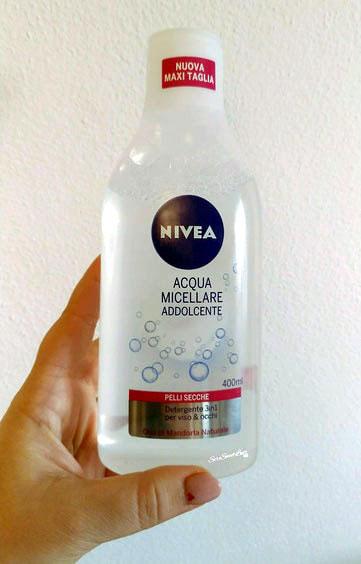 Flacone in plastica maxi formato 400 ml Nivea Acqua Micellare addolcente 3in1