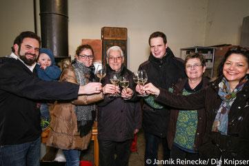 Der Kulturauschuss Gästeführung und die Stadt Osthofen luden zum gemeinsamen Anstoß ein.