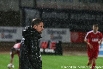 Was Erfolgserlebnisse betrifft, lässt die Mannschaft ihren Trainer derzeit ziemlich im Regen stehen.