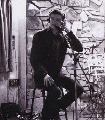 Ian Curtis im Studio