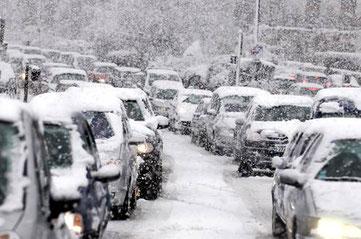 Sollte der Polarwirbel schwächeln oder gar zum Erliegen kommen, könnte die Adventszeit kalt und schneereich werden.