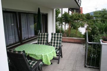 Eingang über Terrasse