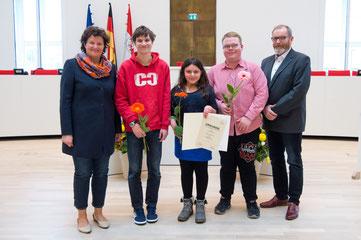 Die Preisträger des Sonderpreises der Landtagspräsidentin der Schülerzeitung »Die Elster« © Landtag Brandenburg, Stefan Gloede