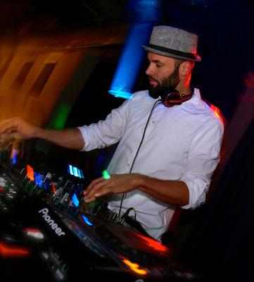 DJ Till Suite 219 DJ Service & Eventtechnik für Hochzeiten, Firmenfeiern, Geburtstage und Veranstaltungen aller Art in Esslingen, Stuttgart, Reutlingen