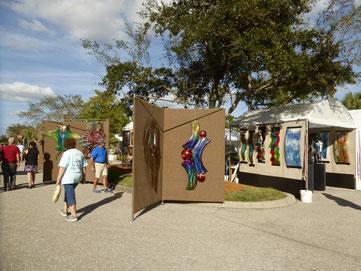 Bild: Kunstausstellung im Cocanut Point Einkaufszenter