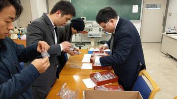 東京眼鏡専門学校生による供養眼鏡のリノベーション