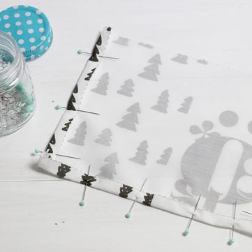 Adventskalender selber machen: eine tolle Adventskalender Idee aus der kleinen Designerei! Den Kalender selber machen und nur noch befüllen.