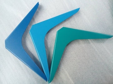 équerres pour étagère coloris bleu et vert