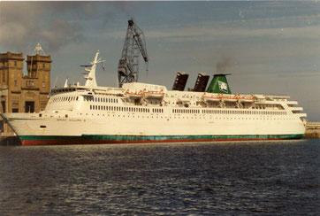 Saint-Killian berthed, being prepared to set sail.