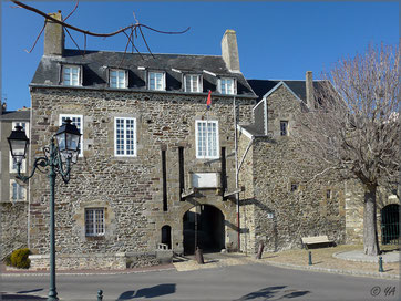 grande porte ,la vieille ville